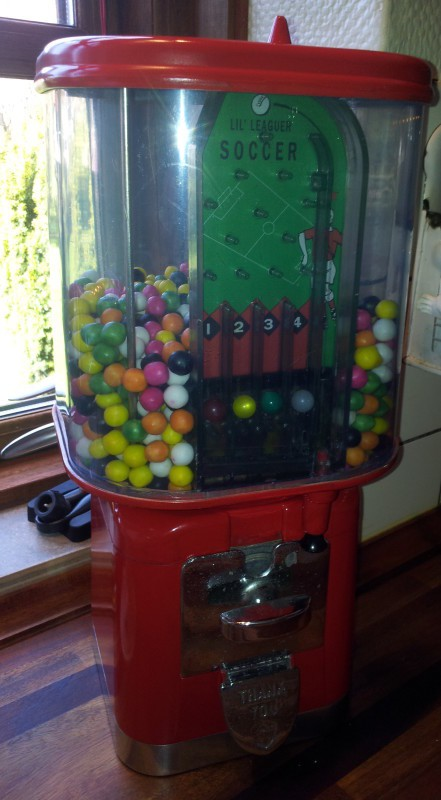 oak-acorn-gumball-machine-restored-10